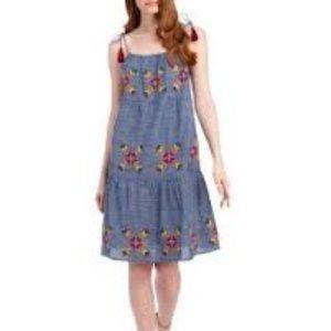 ROCKS & INDIGO Sz M Embroidered Dress